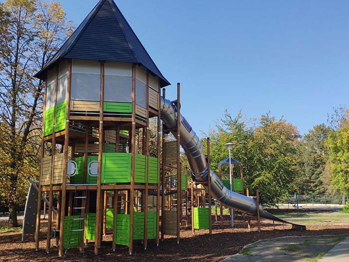 Large multi-play unit with tube slide in Ostrava Czech Republic